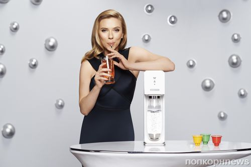 "Скарлетт Йоханссон ушла из ""Оксфэм"" из-за рекламы SodaStream"