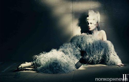 41-летняя Кейт Мосс снялась топлесс для журнала W