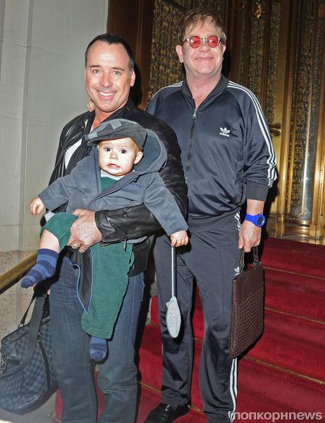 Элтон Джон и Дэвид Ферниш стали родителями во второй раз
