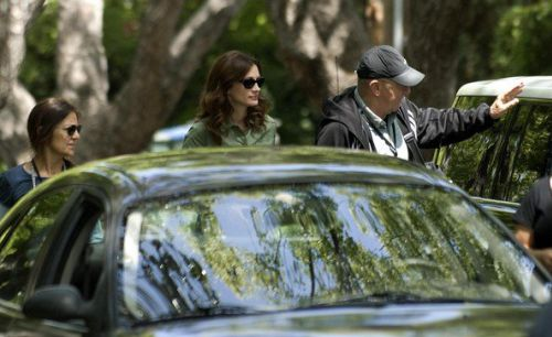 "Джулия Робертс и Том Хэнкс во время съемок фильма ""Ларри Краун""."