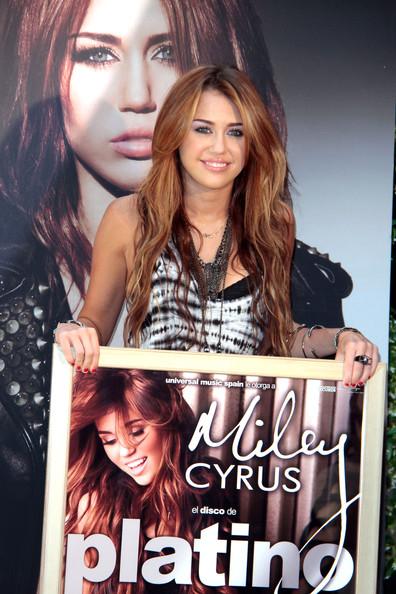 Майли Сайрус представила новый альбом в Испании