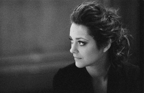 Полная версия видео Марион Котийяр для Dior