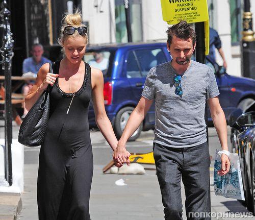 Мэтт Беллами появился на публике с новой девушкой после расставания с Кейт Хадсон