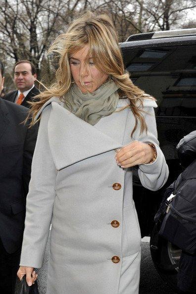 Дженнифер Энистон приехала в Нью-Йорк вслед за Батлером