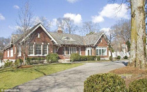 Тэйлор Свифт продает дом в Нэшвилле за 1,45 миллионов долларов