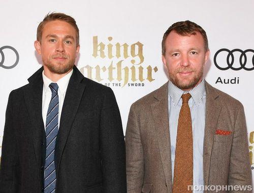 Чарли Ханнэм и Гай Ричи привезли «Меч короля Артура» на премьеру в Торонто