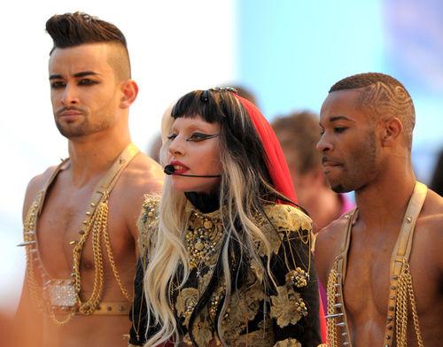 Lady GaGa выступила в Канне