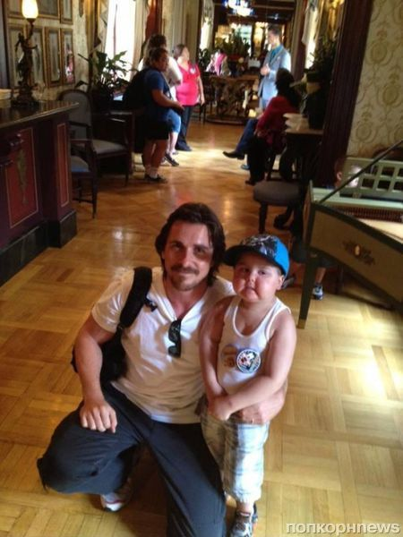 Кристиан Бэйл встретился с четырехлетним поклонником