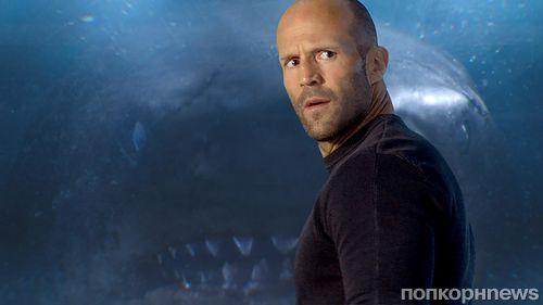 Джейсон Стэтхэм плавал с акулами, готовясь к съемкам «МЭГ» (ни одна акула не пострадала)