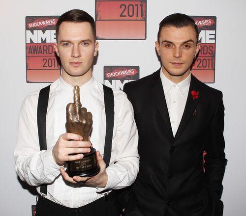 Hurts названы лучшей новой группой Англии на церемонии Shockwave NME Awarsds
