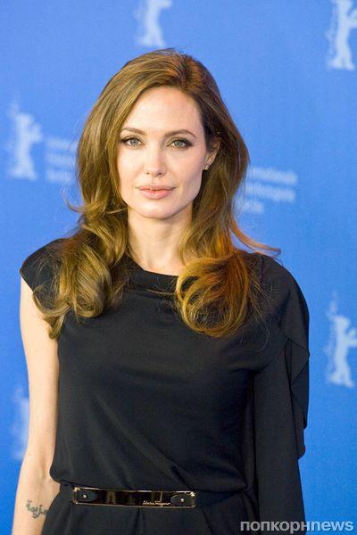 Анджелина Джоли пожертвовала деньги на образование в Пакистане