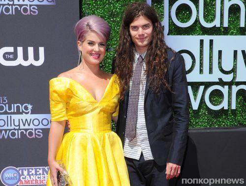 Звезды на церемонии  Young Hollywood Awards 2013
