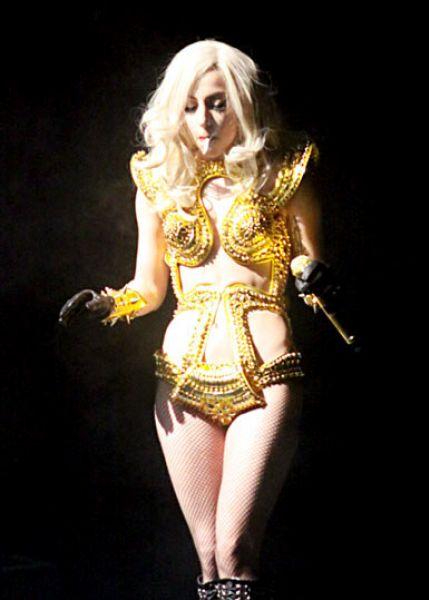 Lady GaGa �������� ����� �� �����, �������� �� ������