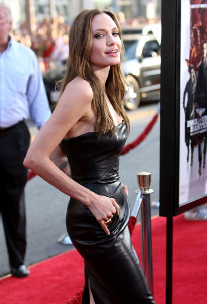 Анджелина Джоли изменяет Брэду Питту?