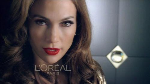 Дженнифер Лопес в рекламе туши для ресниц от L'Oreal