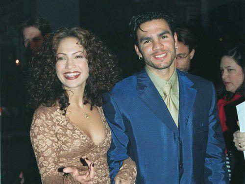 Дженнифер Лопес запрещает бывшему мужу петь