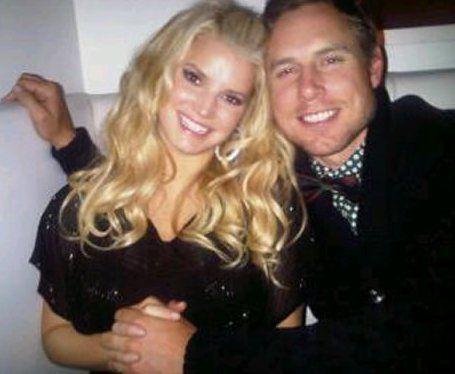 Джессика Симпсон планирует выйти замуж в Рождество