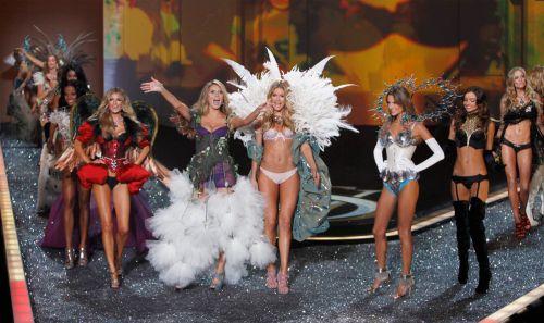 Шоу Victoria's Secret 2009