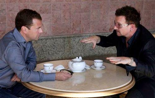Боно встретился с Дмитрием Медведевым