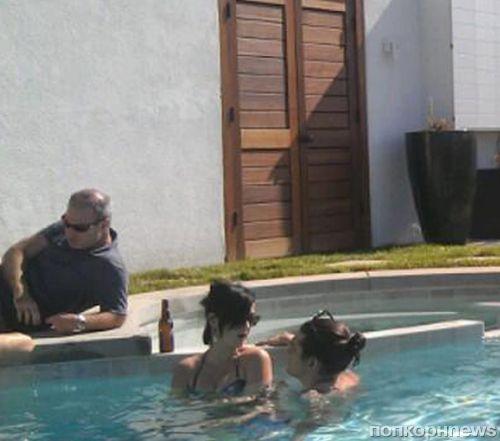 Кэти Перри и Джон Майер на вечеринке у бассейна