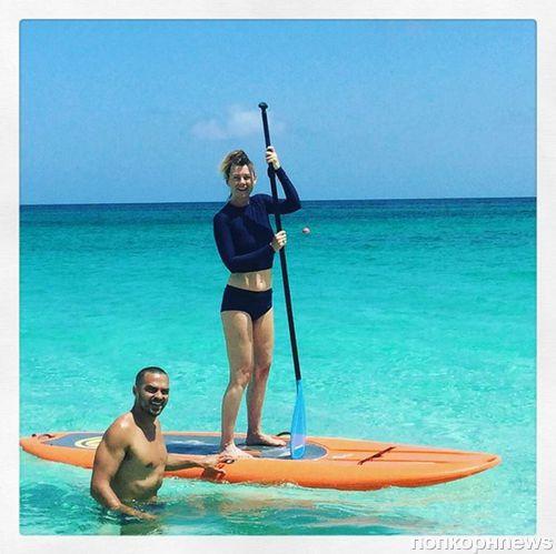 Звезды «Анатомии страсти» Джесси Уильямс и Эллен Помпео вместе занимаются серфингом на Гавайях