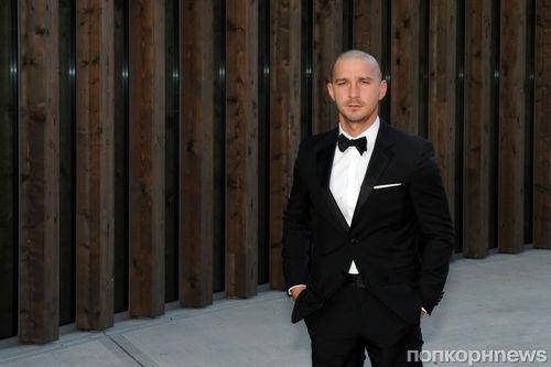 Шайа ЛаБаф продемонстрировал новую прическу на Венецианском кинофестивале