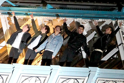 One Direction на съемках нового клипа