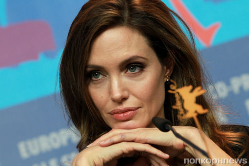 Анджелина Джоли разозлилась на журналистов из-за вопросов о Брэде Питте