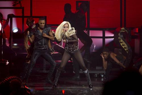 Выступление Lady Gaga на музыкальном фестивале iHeartRadio