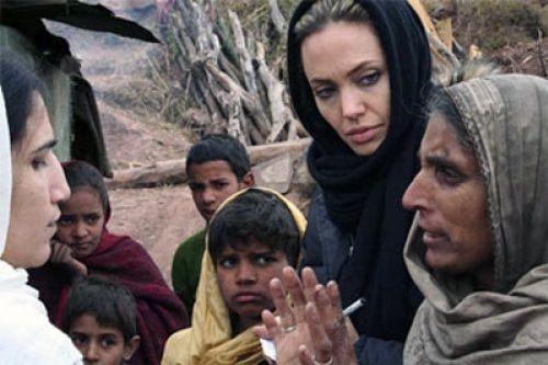 Видео: Анджелина Джоли в Афганистане