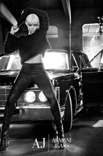 Первый взгляд на рекламу Armani Jeans с Рианной