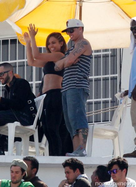 Дженнифер Лопес на съемках нового клипа в Мексике
