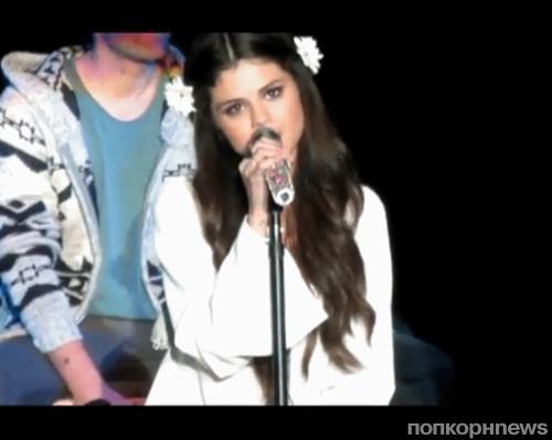 Видео: Кавер Селены Гомес на песню Джастина Тимберлейка Cry Me A River
