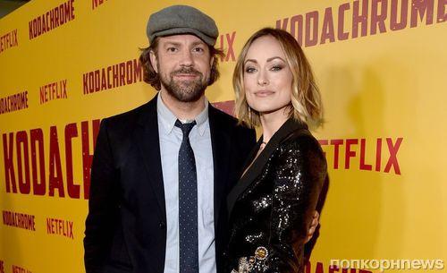 Оливия Уайлд и Элизабет Олсен на красной дорожке премьеры фильма «Кодахром»