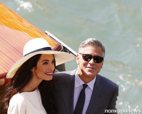 Джордж Клуни и Амаль Аламуддин проводят медовый месяц в своем новом доме в Англии