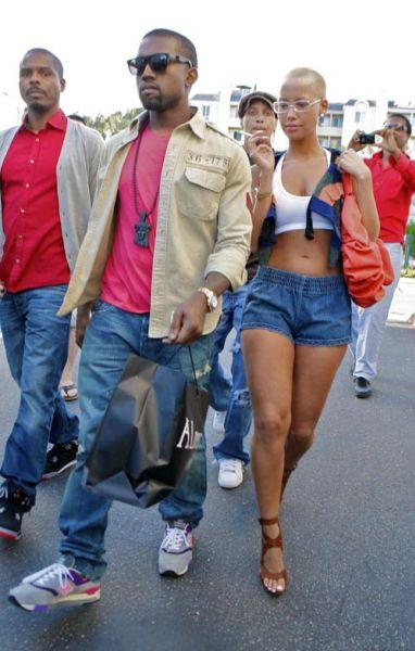 Кэни Вест и его девушка на прогулке
