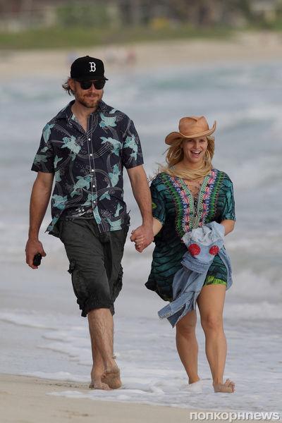Джессика Симпсон с семьей на Гавайях
