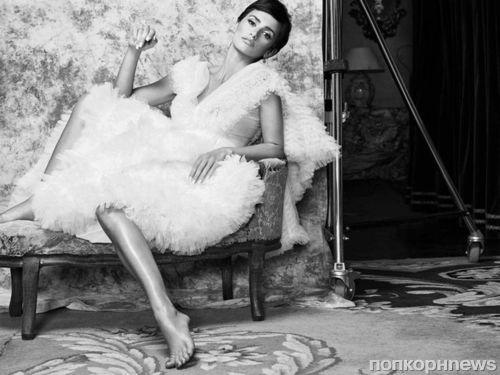Пенелопа Крус продемонстрировала новую стрижку в фотосессии для испанского Vogue
