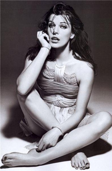 Милла Йовович в журнале Vogue. Китай. Июнь 2009
