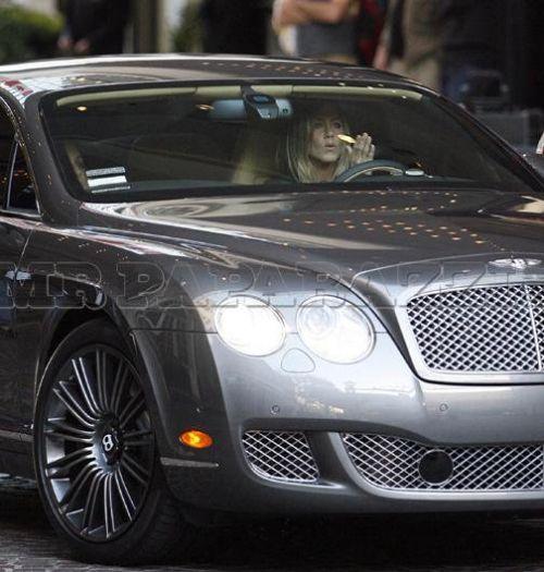 Дженнифер Энистон и история с ее Bentley