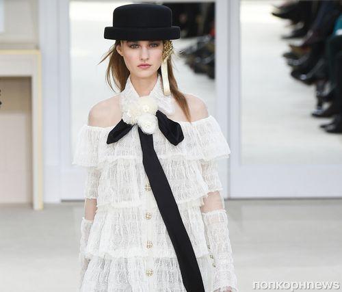 Модный показ новой коллекции Chanel. Осень / зима 2016-2017