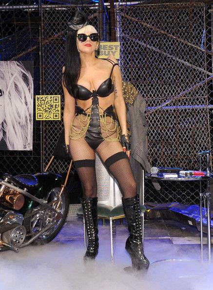 Lady Gaga и Amazon устроили акцию