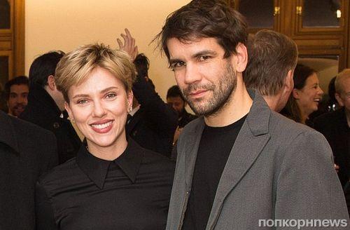 Скарлетт Йоханссон вышла в свет с мужем на фоне слухов о разводе