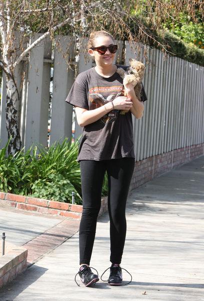 Майли Сайрус и ее новый щенок