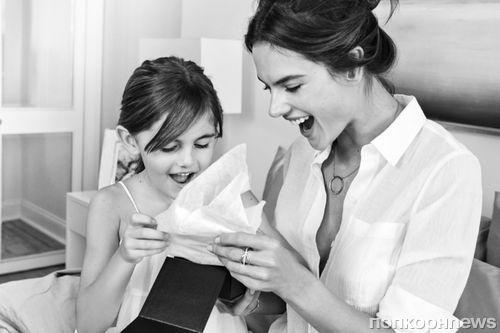 Алессандра Амбросио снялась с дочерью в кампании Michael Kors ко Дню матери