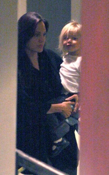 Анджелина Джоли и Брэд Питт вернулись в США