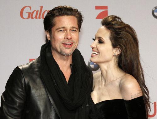 Родители Брэда Питта переезжают жить к сыну и Анджелине Джоли