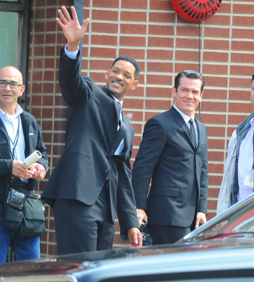 "Уилл Смит и Джош Бролин на съемках фильма ""Люди в черном 3"""