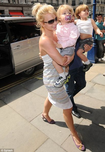 Бритни Спирс: будни мамочки в Лондоне