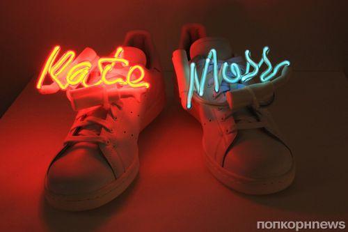 Кейт Мосс, Наоми Кэмпбелл и Кайли Миноуг создают обувь в поддержку прав геев
